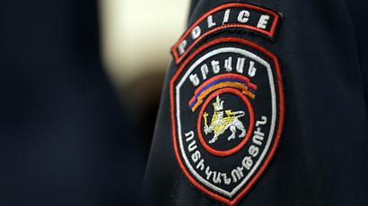 Երևանում ապօրինի շինության քանդման ժամանակ միջադեպ է եղել ոստիկանի և քաղաքացու միջև. ծառայողական քննություն է նշանակվել |armtimes.com|