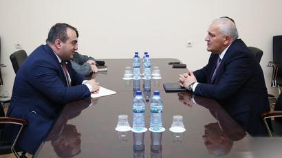 Վրաստանում ՀՀ դեսպանն ու երկրի ԱԳ փոխնախարարը հանդիպում են ունեցել |aliq.ge|