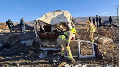 Երևան-Գյումրի ճանապարհին ավտովթարի հետևանքով վիրավորներից մեկը վերակենդանացման բաժանմունքում մահացել է